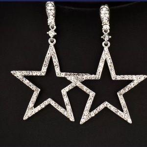 New Item✨ Oversized Star Drop Earrings 😍✨